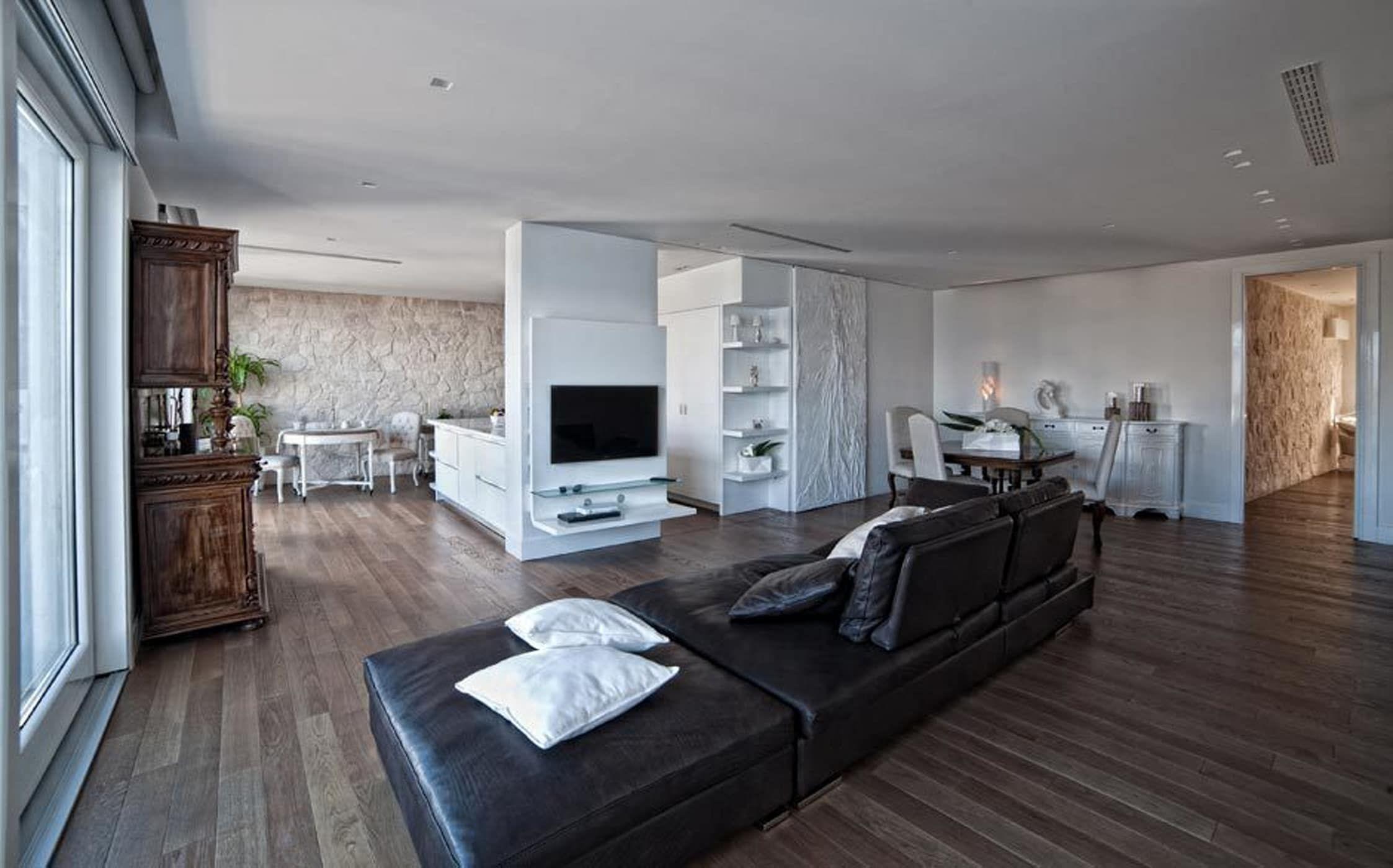 White light soggiorno moderno di francesca ignani ...