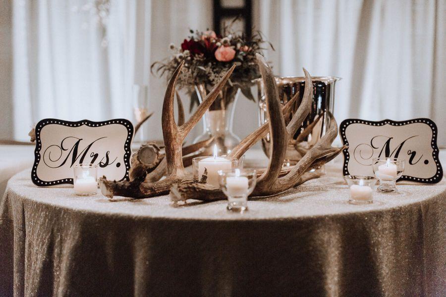 Wedding Essentials Omaha // Real Nebraska Bride // Andrea Nuxoll Photography // Nebraska Wedding Photographer // Rural Nebraska // Rustic // Country Wedding // Fall Wedding // Outdoor Wedding