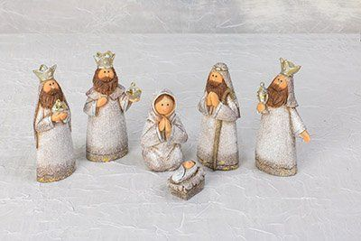 Bring out the true meaning of the holidays with our beautiful silver shimmer kids Christmas nativity set!