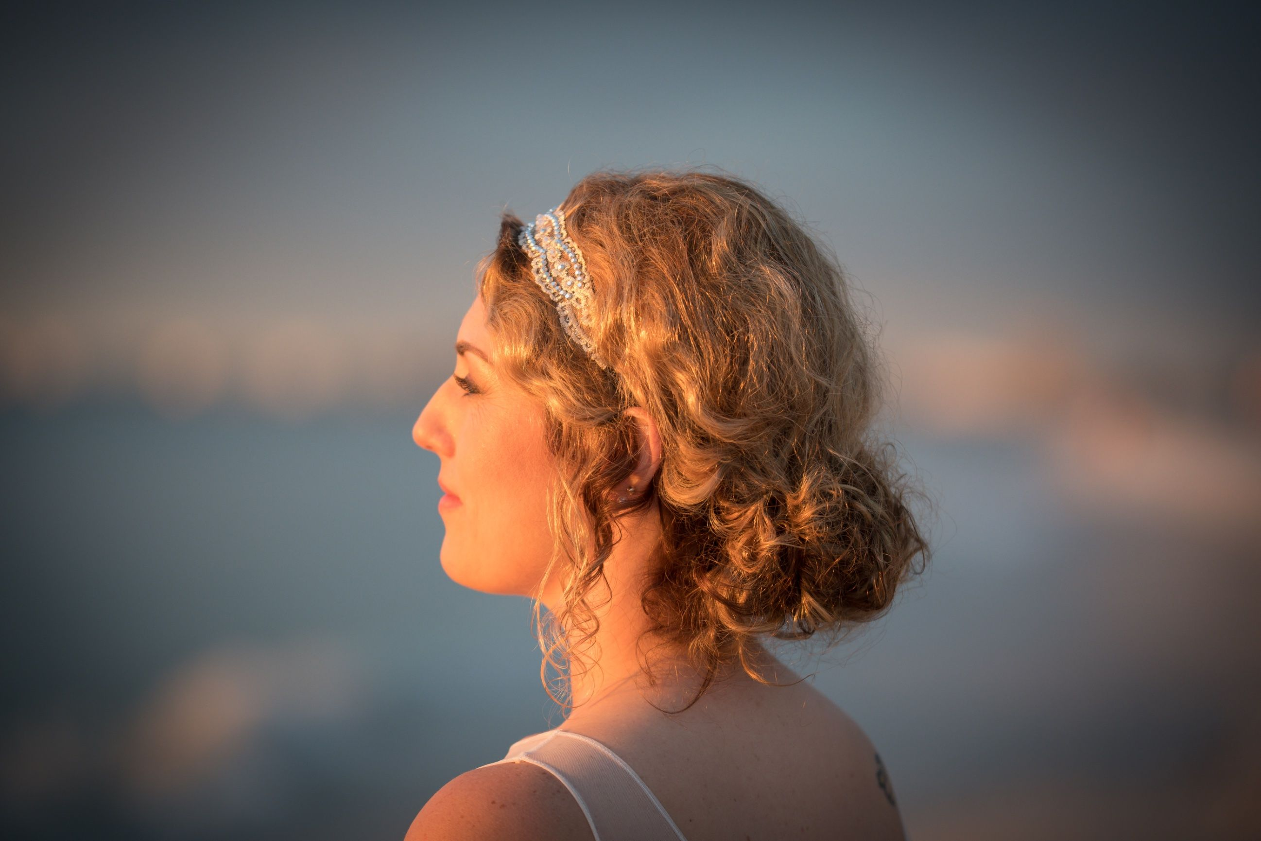 Beachy bohemian hair with a touch of gatsby inspiration