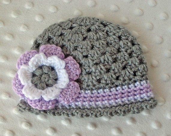 Gorro a crochet con flor by Littlebuttercupbaby.