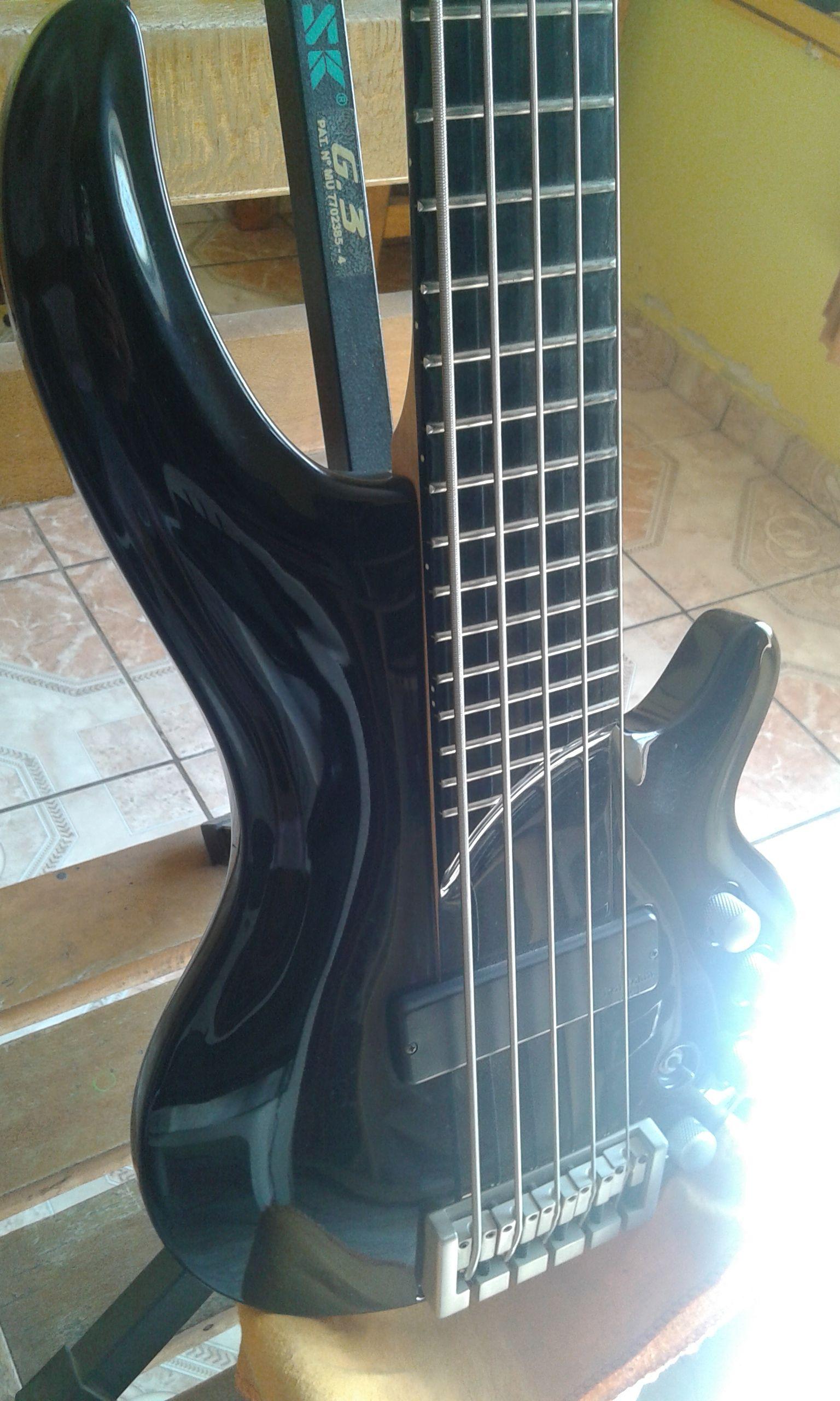 Baixo Cort Curbow 5 Cordas Cor Preta Bass Guitar Bass Guitar