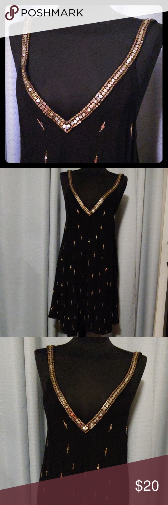 Free People dress Deep V Black with gold Sequin design Has an imperfection on the left strap pictured  The V part has some weird stiching also pictured above Price reflects Size small but can also fit a medium Cute and flowy Great outfit for a summer dinner on a beach ???? NWOT Free People Dresses #summerdinneroutfits Free People dress Deep V Black with gold Sequin design Has an imperfection on the left strap pictured  The V part has some weird stiching also pictured above Price reflects Size sm #summerdinneroutfits