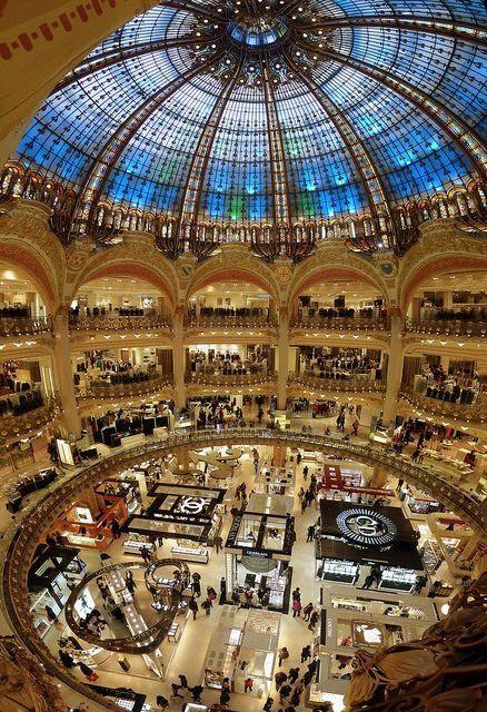 Paris Est Une Fete Paris Galeries Lafayette Paris Ville Lumiere