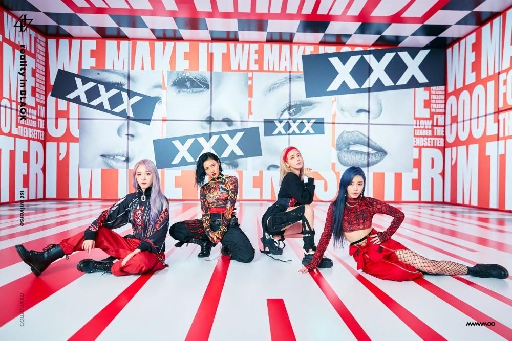 Mamamoo Showcases Highlight Medley For Reality In Black Album Koogle Tv Mamamoo Moonbyul Kpop