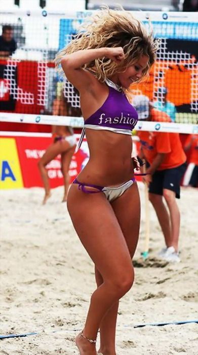 Girl Look At That Body Beach Volleyball Volleyball Women Volleyball