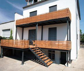 pin von zorana savic auf gel nder balkon balkon haus bauen und treppe. Black Bedroom Furniture Sets. Home Design Ideas