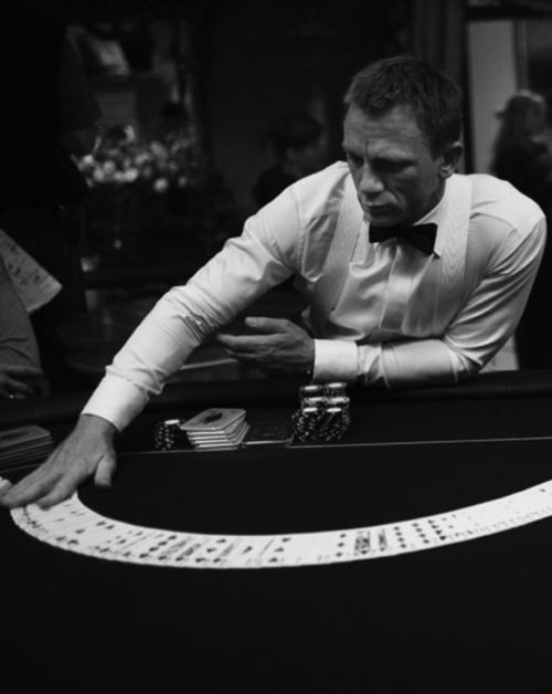 Casino royale escenas black card casinos