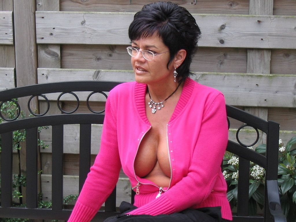 mature-lady-spies-younger