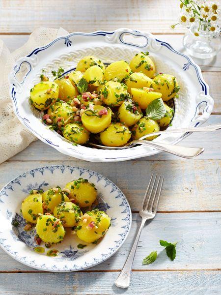 Ein Lieblingsessen an Heiligabend: Kartoffelsalat mit Würstchen. Keine Gans und kein Braten, einfach nur Kartoffelsalat - so wie ihn Mama