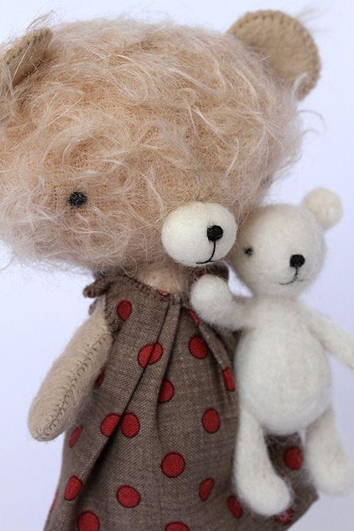 Adele handmade felt toy. - by Manomine
