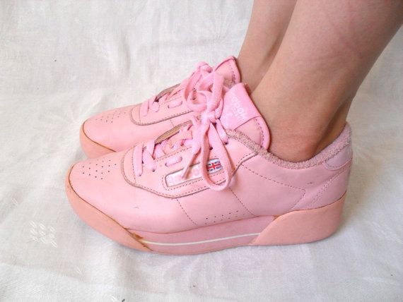 RESERVED for CHEY   Pink Vintage Reebok Freestyle    Platform Sneakers    Reebok  Shoes    Pink Low Top Reebok Sneakers    Reebok Size 6.5 58cbbb30f