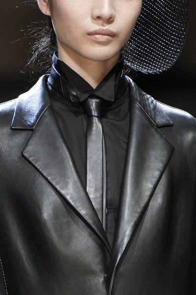 dresscode-highfashion:    Yohji Yamamoto F/W 08