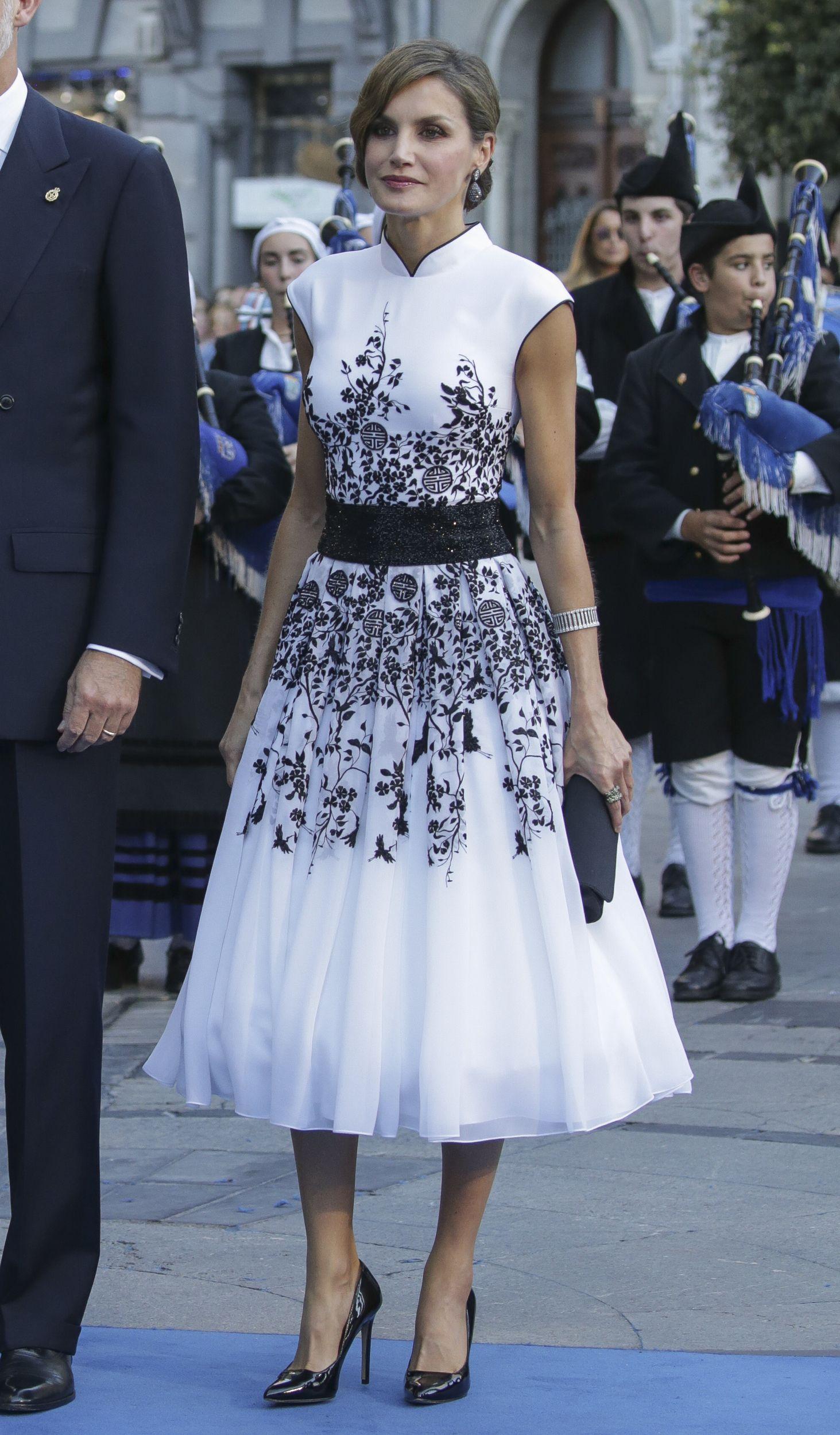 Letizia lleva en Perú el vestido perfecto para un buen fondo de armario Letizia lleva en Perú el vestido perfecto para un buen fondo de armario new picture