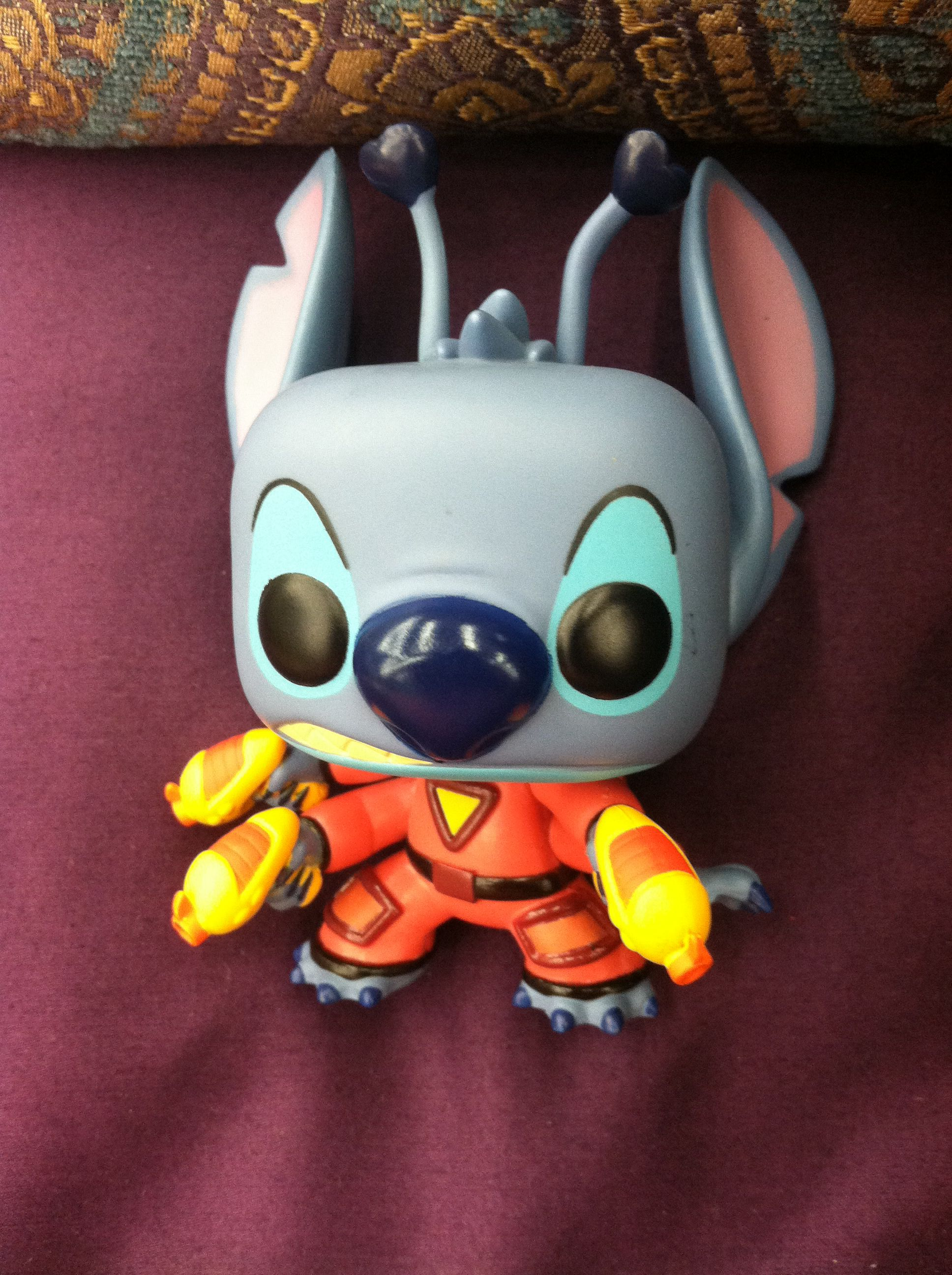 OMG... STITCH so adorable. MUST HAVE!