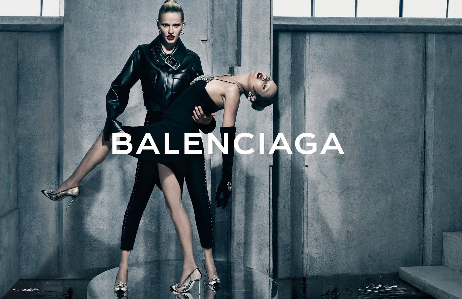 Kate Moss & Lara Stone look stunning in new Balenciaga Fall/Winter 2015-2016 Campaign | Kate Moss Universe