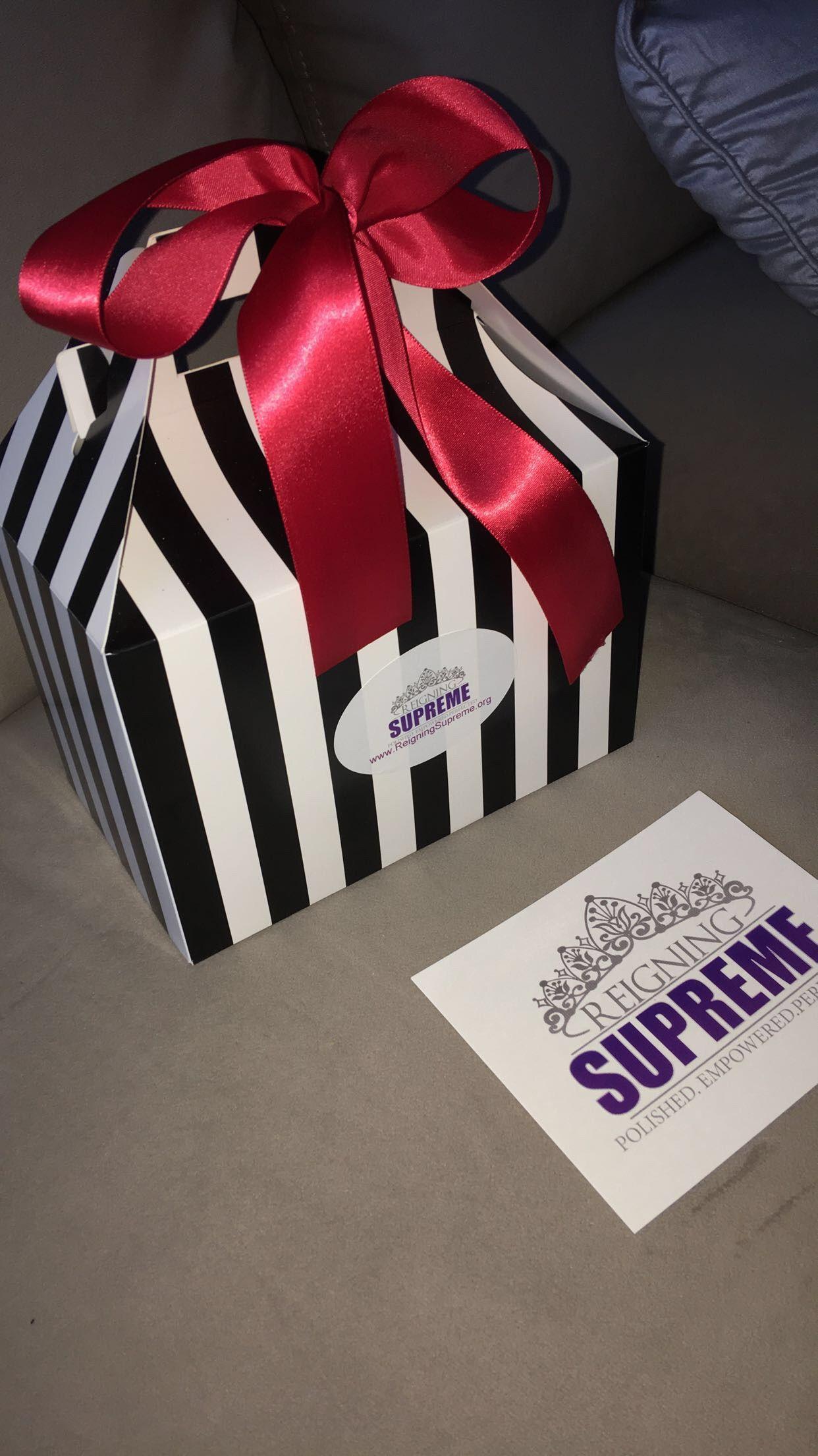 Elegant Christmas Gift Box Set $25 Free Shipping. Gift Set For Her Bath Bomb Gift