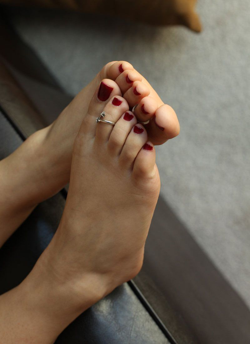 Sexiest toes in the world