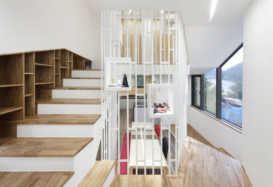 Playful and Hallucinating House With a Sense of Vertical Depth in South Korea