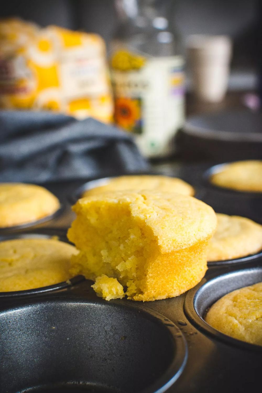 Savory polenta muffins - Plant-baked