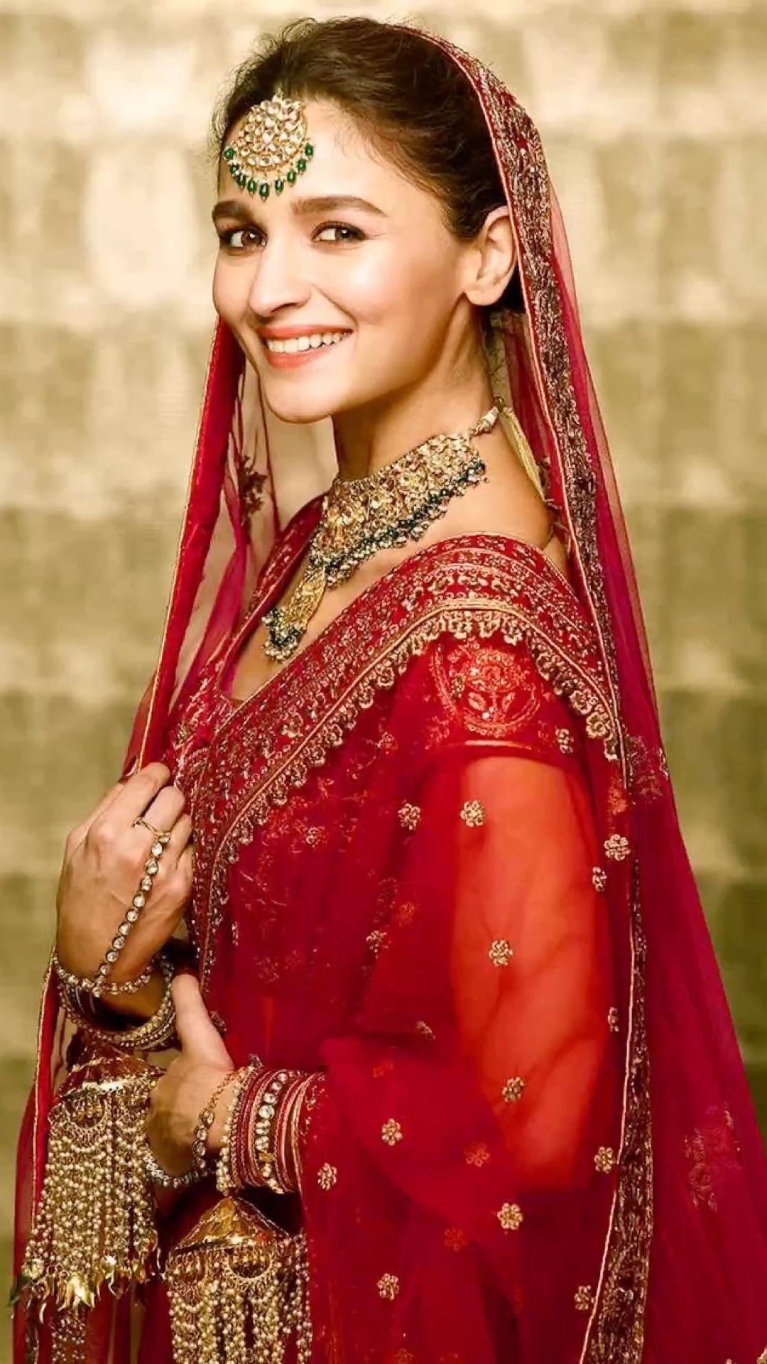 Alia bhatt..bridal dress up!   Pinterest