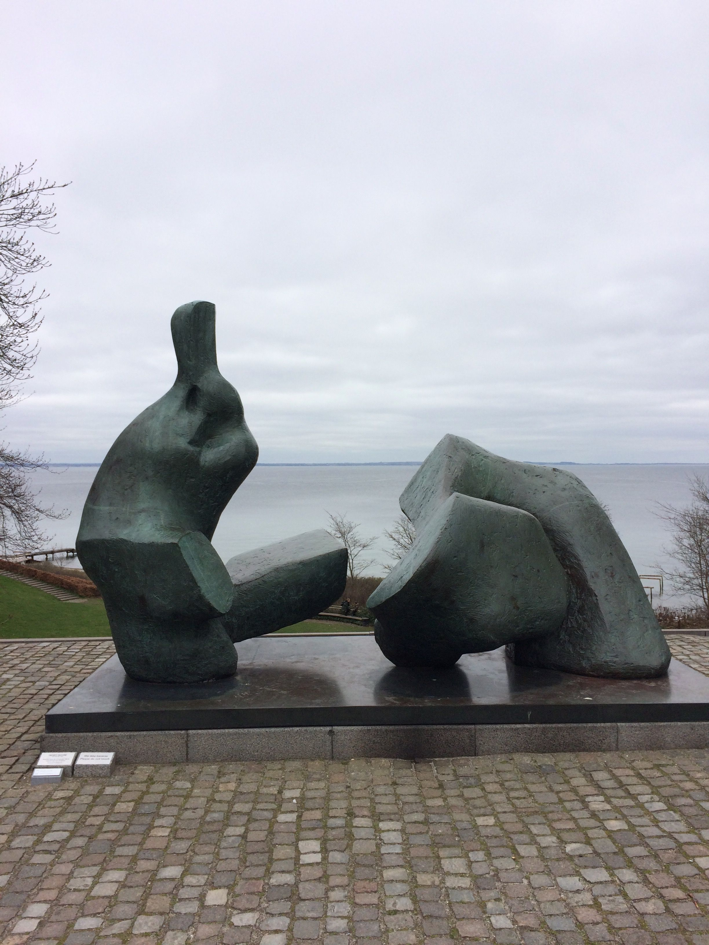 5 by Henry Moore Louisiana Museum of