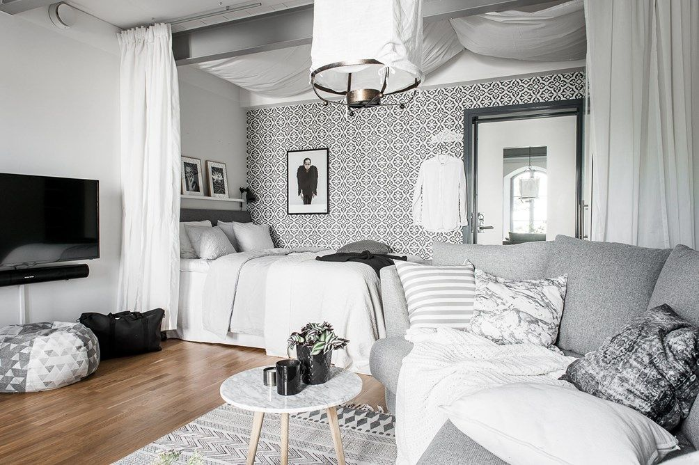 grey and white studio apartment interior pinterest kleine wohnung kleine wohnung. Black Bedroom Furniture Sets. Home Design Ideas