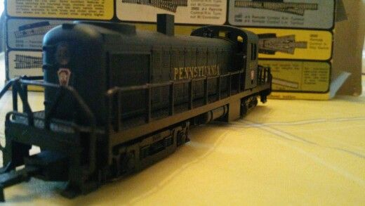 A.H.M Pennsylvania locomotive h0