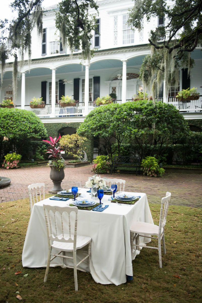 Outdoor Garden Wedding Table Setting With Moss Place Mats! DELFT BLUE  GARDEN PARTY WEDDING INSPIRATION
