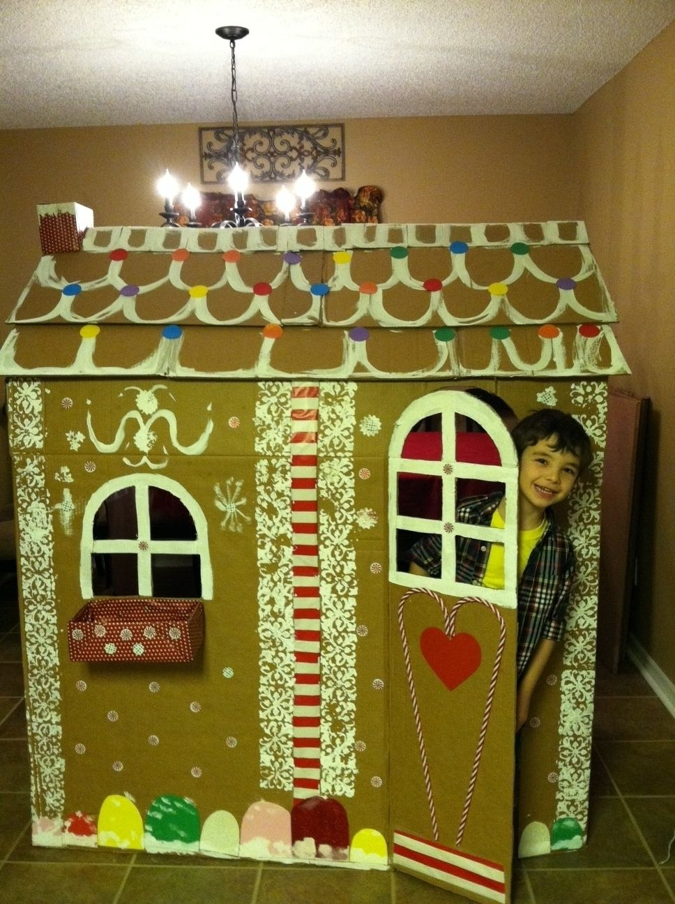 Giant diy gingerbread house just fab kids craft projects giant diy gingerbread house just fab kids craft projects playhouses and gingerbread solutioingenieria Image collections