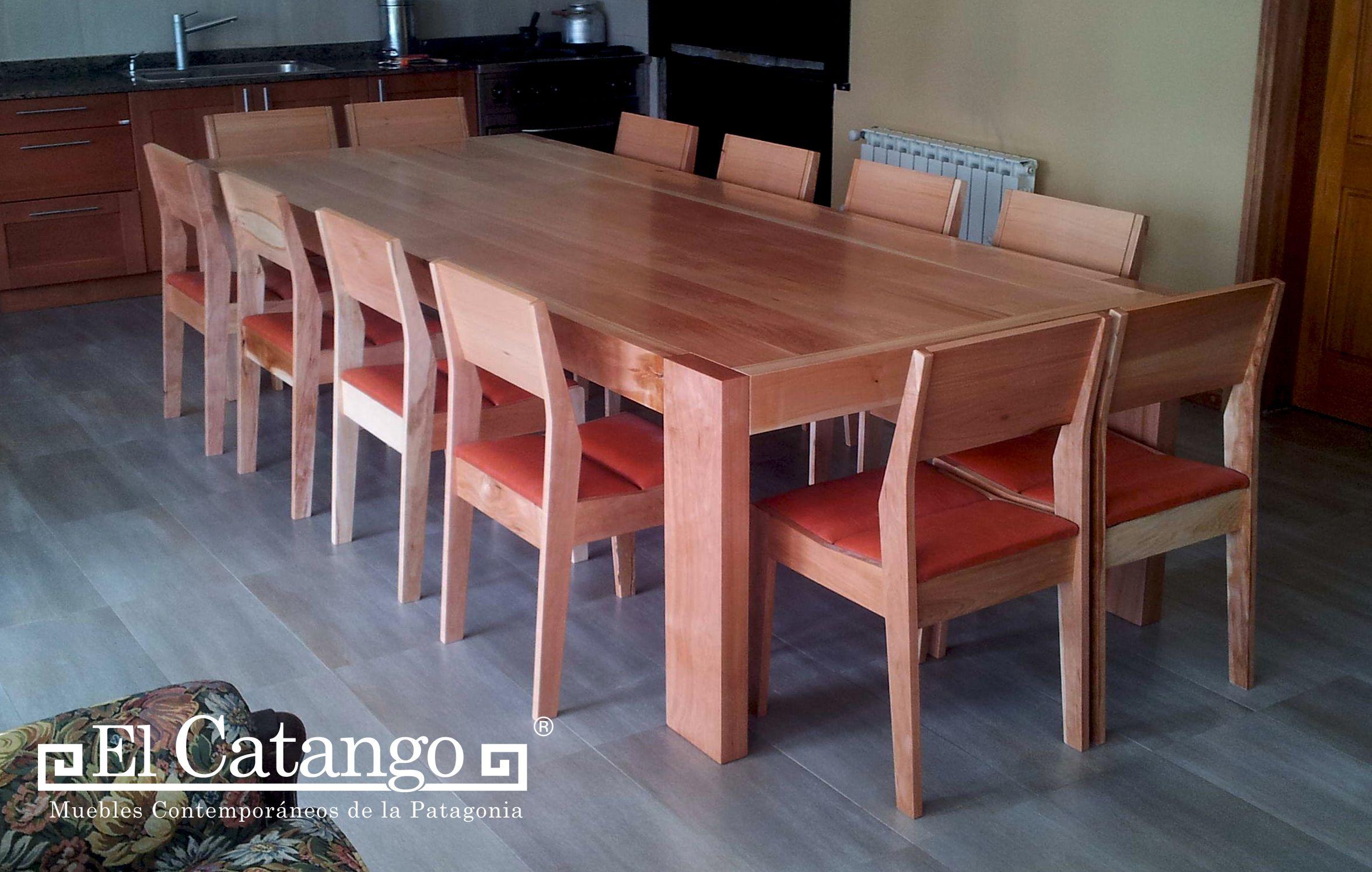 Mesa y sillas de madera maciza el catango muebles for Mesa cocina madera maciza