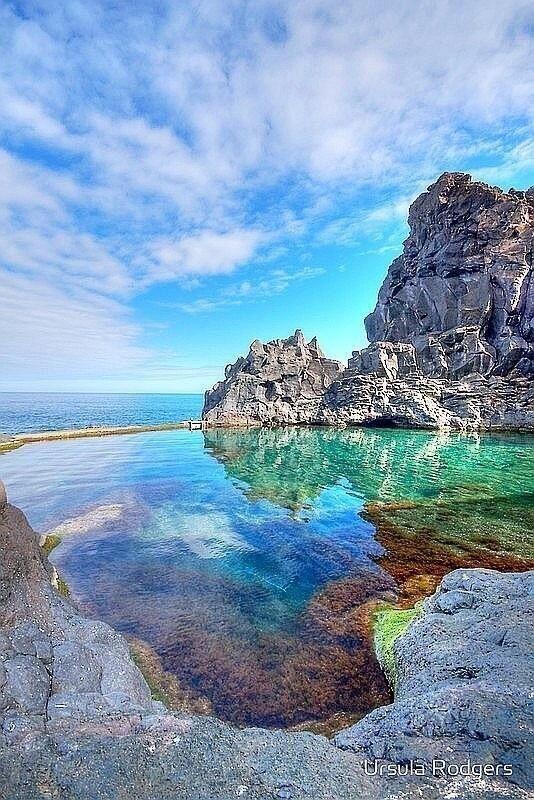 Rock pool ~ Portugal ... #viajes #sueños #escapadas #amor #paz #tranquilidad #lugarespreciosos #sitiosparaver #viajesinolvidables #paisajesdelmundo