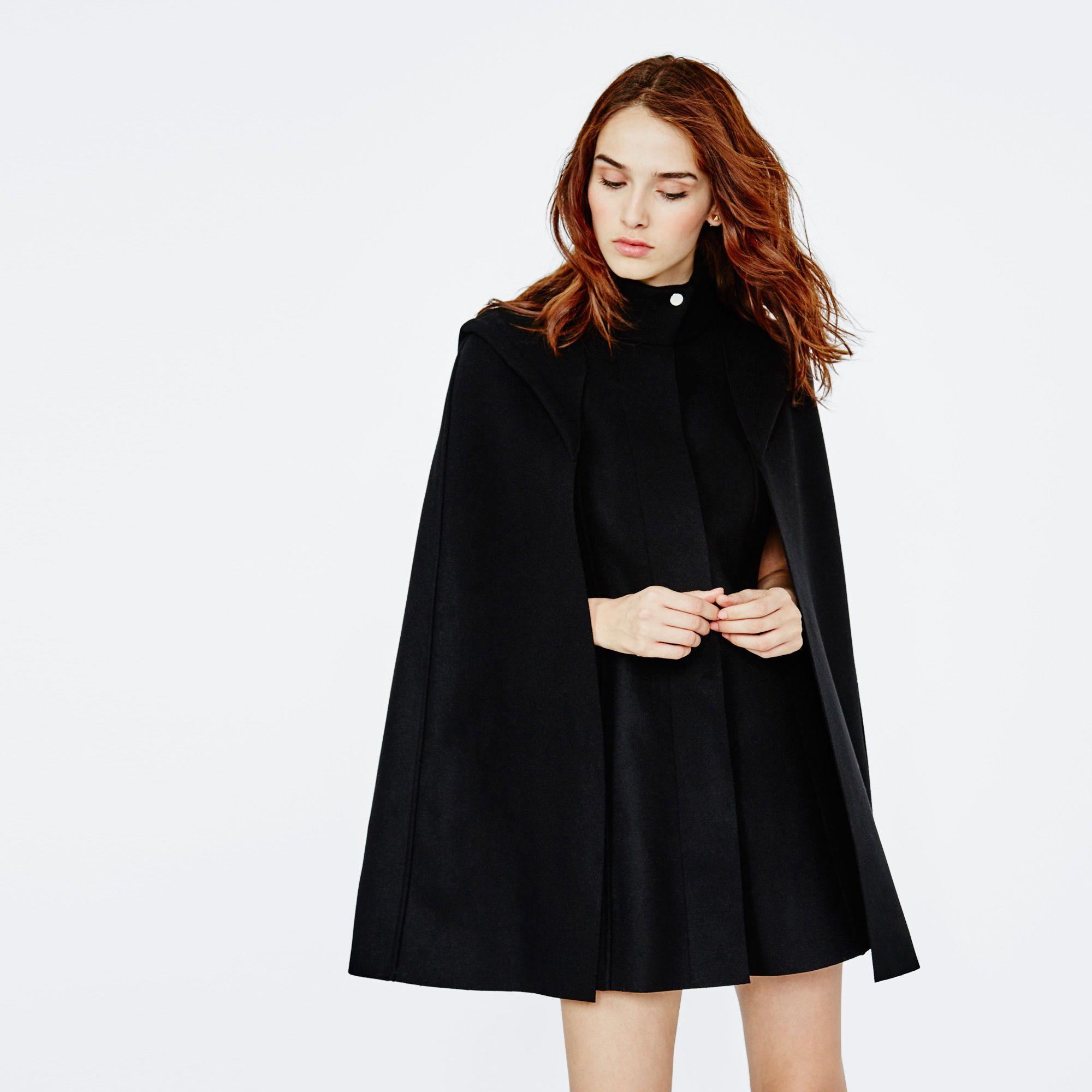 manteau cape en laine manteau fringues et cape femme. Black Bedroom Furniture Sets. Home Design Ideas
