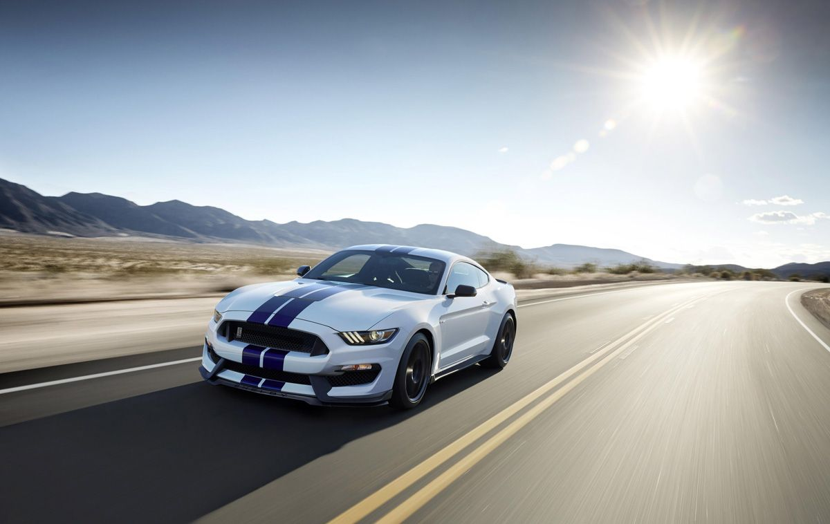 The New Shelby Gt350 Mustang Rolls In With 500 Hp And Staggered Wheels Ford Mustang Shelby 2015 Ford Mustang Ford Mustang
