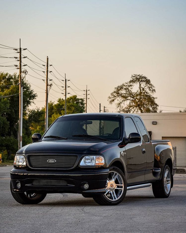 2000 Harley Edition F 150 En Instagram Finally Took Some Shots With The Camera Follow Proje Harley Dream Cars Ford Trucks