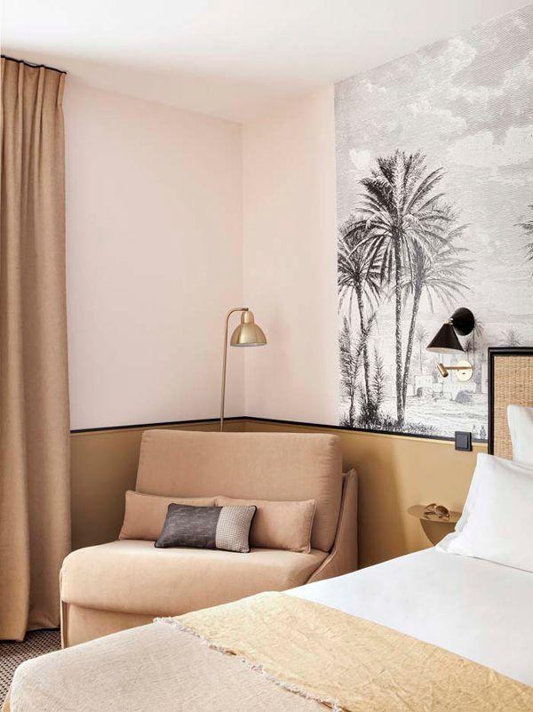 Chambre papier peint retro colonial decoration noir et blanc palmier