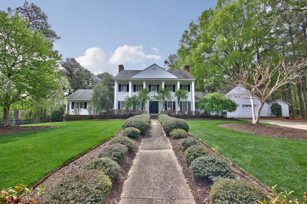 Charming Updated Farmhouse in Chapel Hill, NC