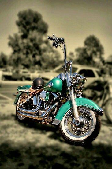 Harley Davidson. I love this color!! #HarleyDavidson #Harley #motorcycle