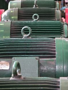 How To Check An Electric Motor If It Is Bad Ehow Electrical Projects Electric Motor Electrical Troubleshooting