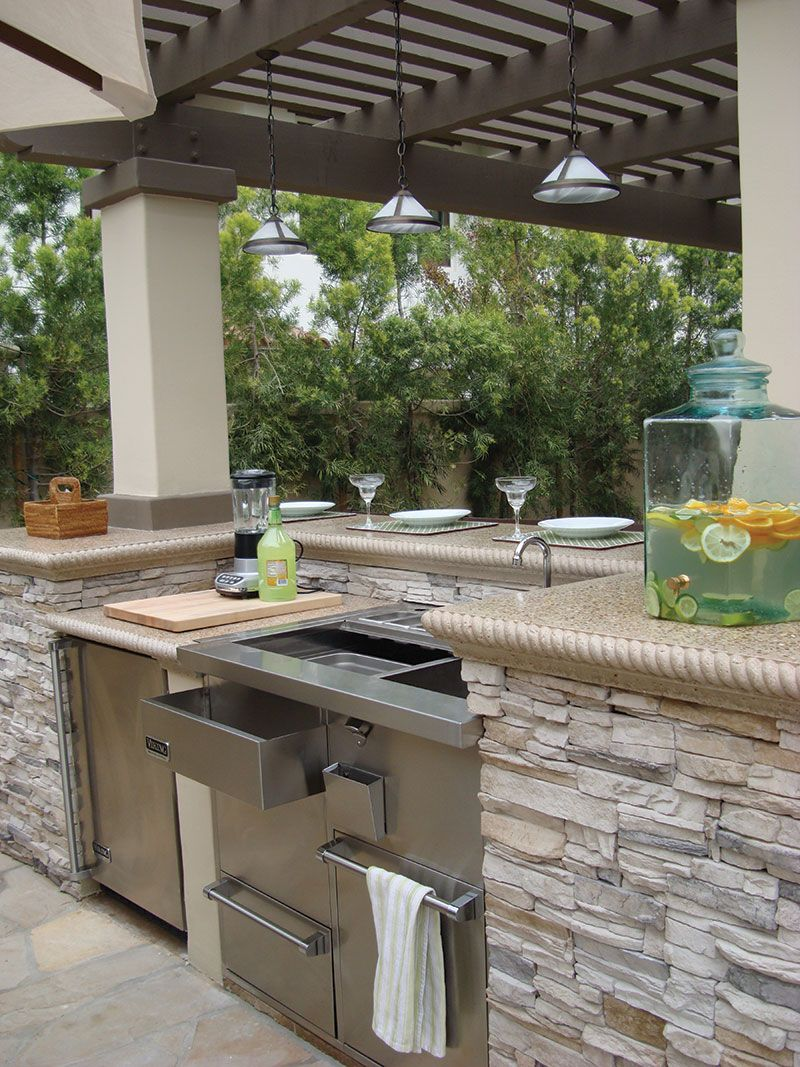 Outdoor Kitchen Lighting Outdoor Kitchen Light Colored Quartz Countertop Google Search