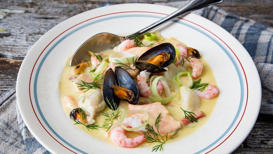 Kremet fiskesuppe med skalldyr og ingefær