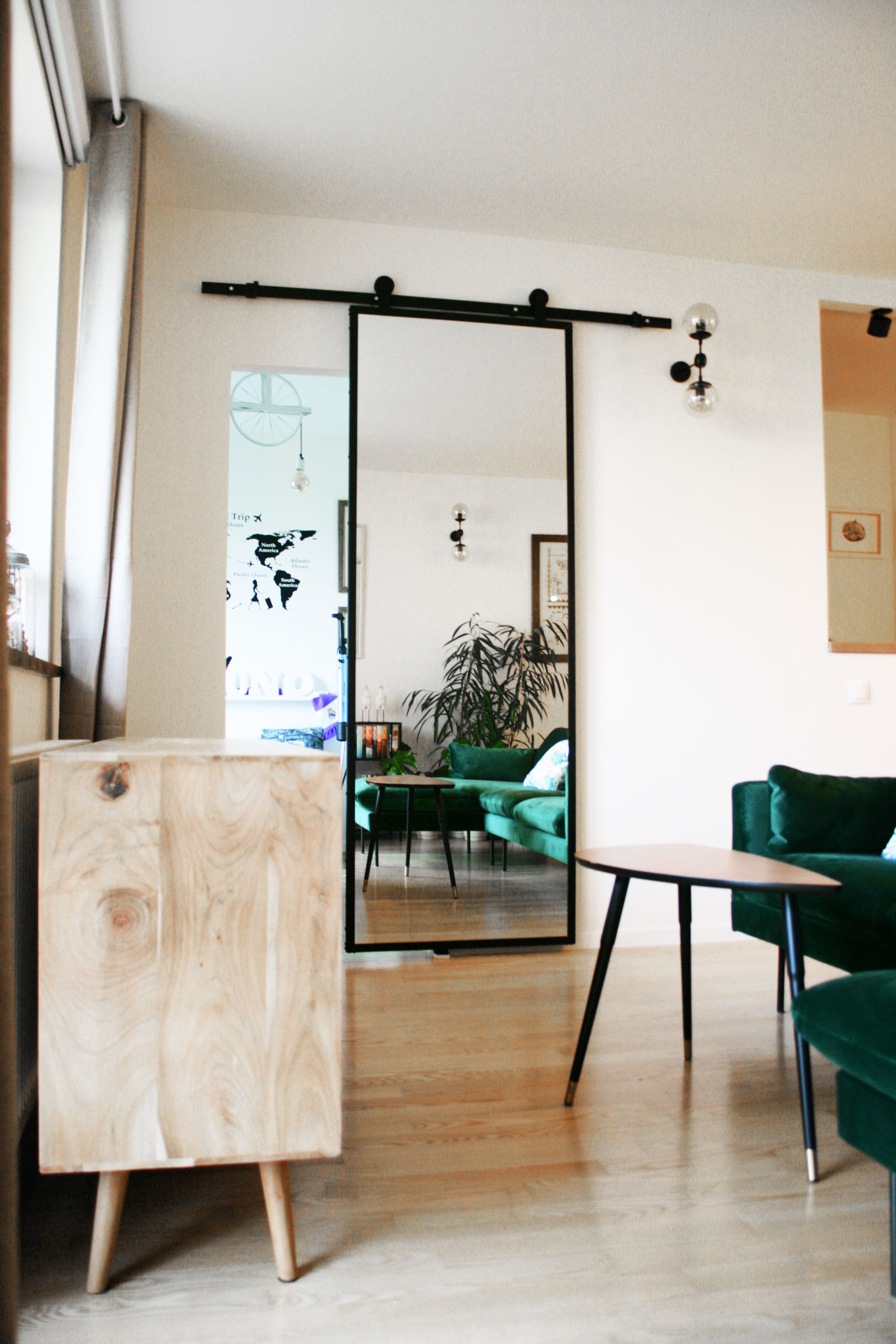 Drzwi Przesuwne Metalowe Model Lara Lustro W Stalowej Ramie Reno Mirror Wall Bedroom Modern Living Room Doors Interior