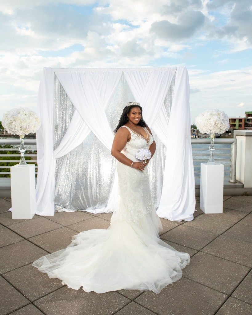 db7cb3f49e We always believe that beauties have no size. And here are some pretty  wedding dress