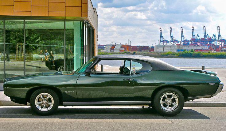 Pontiac GTO in den Hamburger Docklands.
