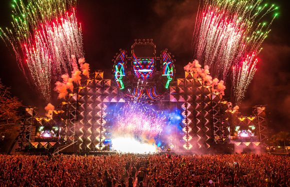 10 Of The Biggest Edm Festivals To Attend Before You Die With