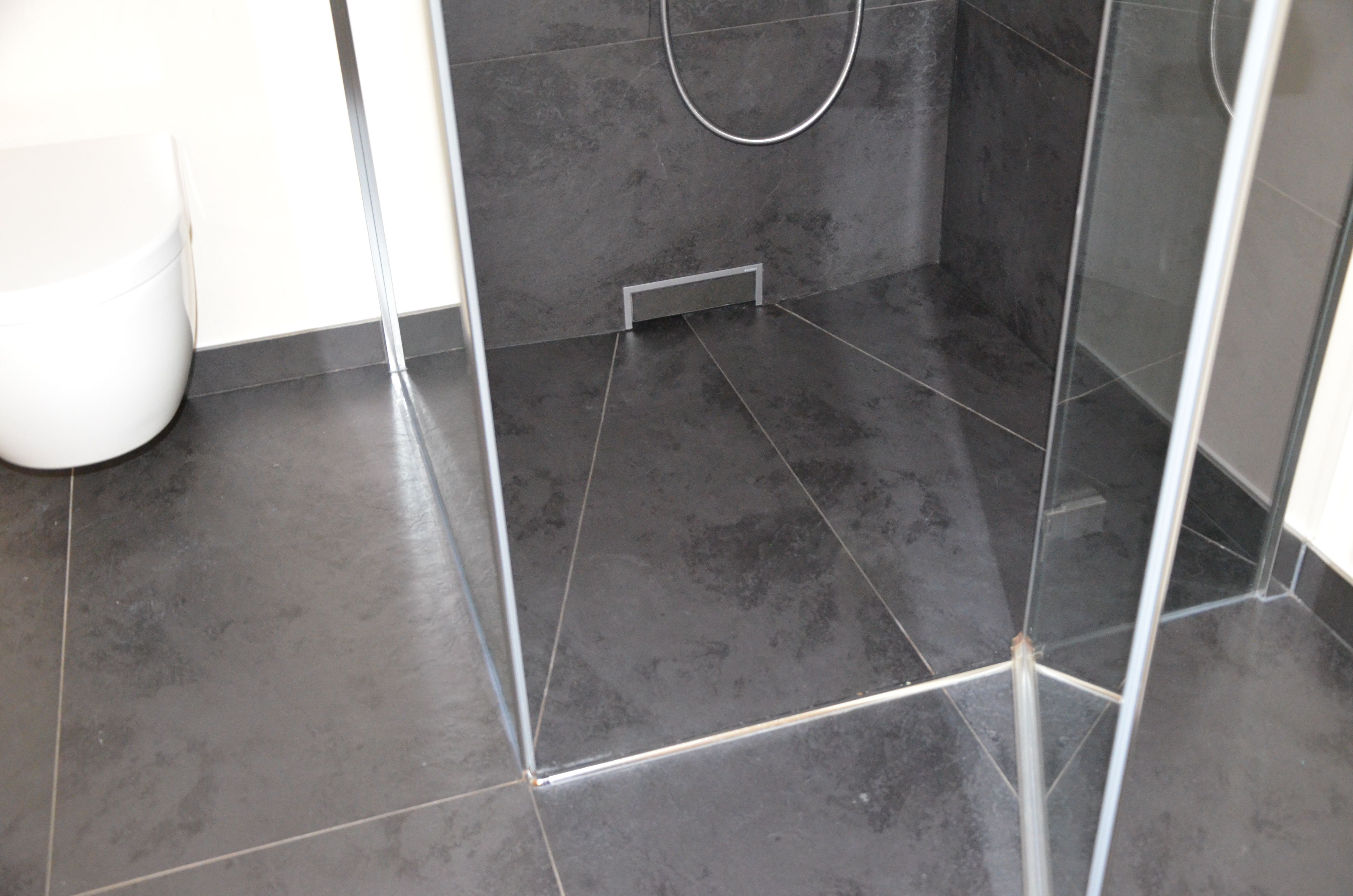 Duschablauf Wand ein duschablauf in der wand barrierefreie dusche in einem