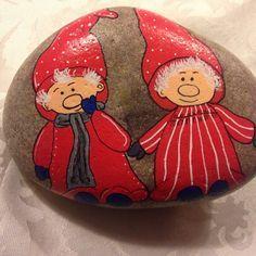 Nissefar og nissemor #jul #Christmas #hygge #sten #stone #maledesten #paintedstones #afslapning