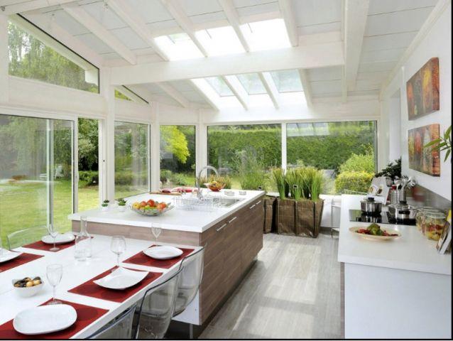 Idées déco  une vraie table de repas dans la cuisine Verandas - cuisine dans veranda photo