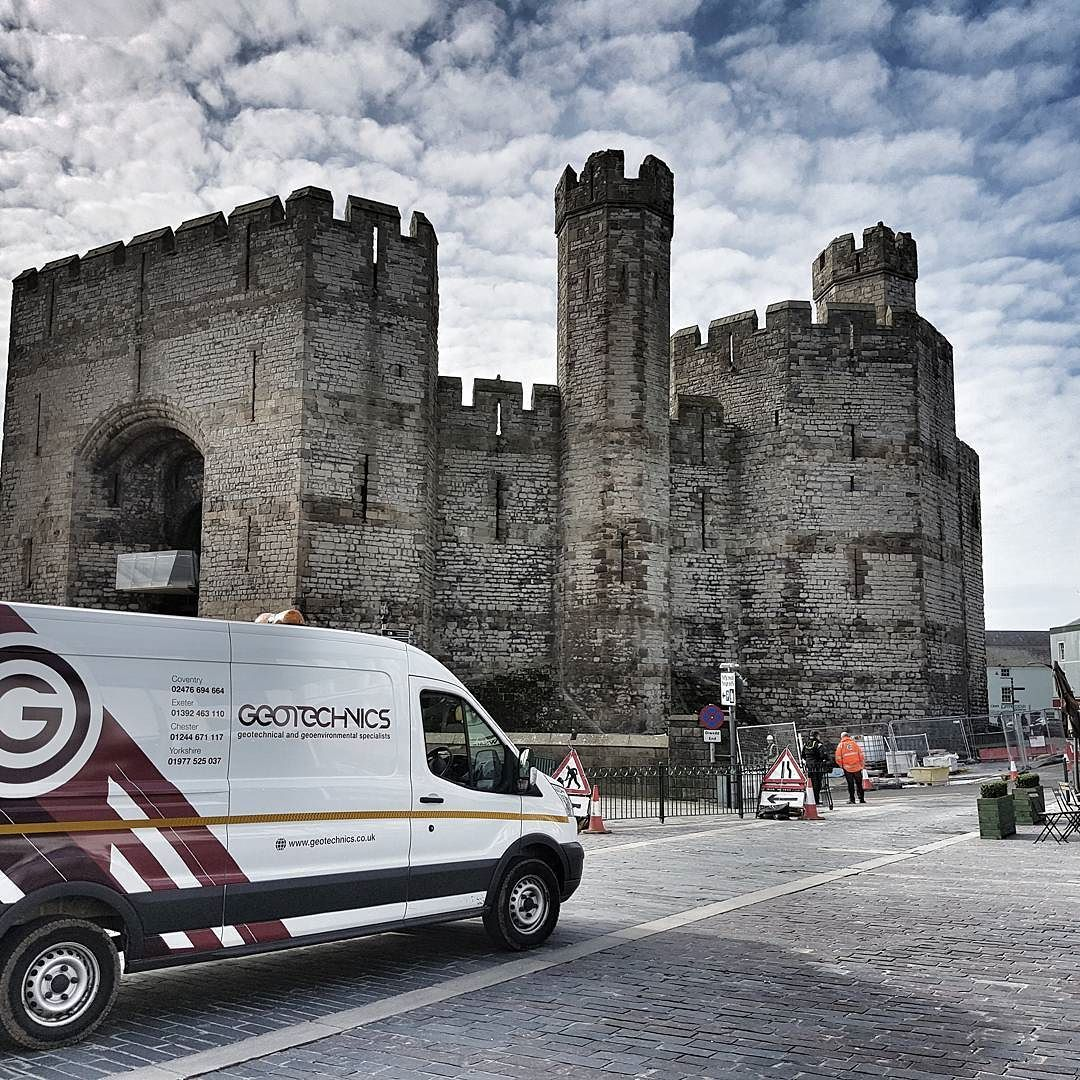 Dydd Gwyl Dewi Sant hapus! While working in #Wales today we had to visit #Caernarfon Castle on our way to site to mark the occasion. Happy #StDavidsDay!
