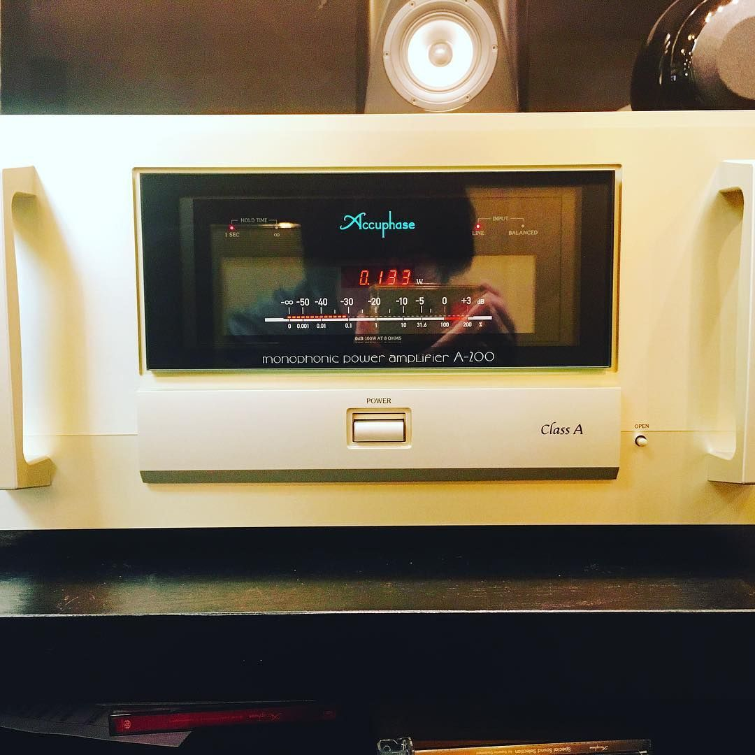 accuphase A-200, CLASS-A monophonic power amplifire #audiophile